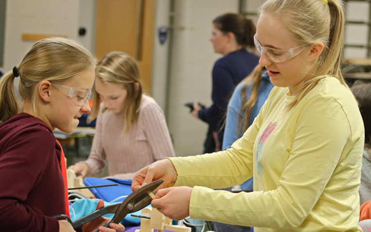 How Hudson Middle School is Engaging its Students in STEM and Working to Reduce the Gender Gap