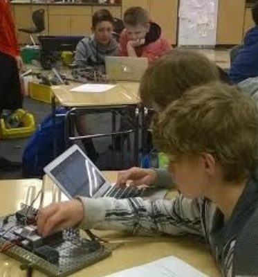 Leveraging Technology in a PLTW Classroom
